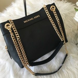 Michael Kors Bags - Michael Kors jet set medium Chain messenger bag